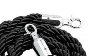 T106322 Black rope 2 chrome fixing hooks for crowd control post 1,5 meters